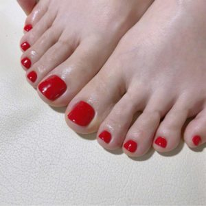 acrylic nails on toes